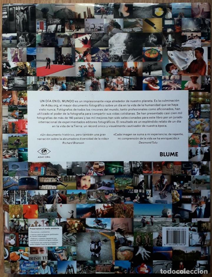Libros de segunda mano: Un día en el mundo - Foto 2 - 152015466