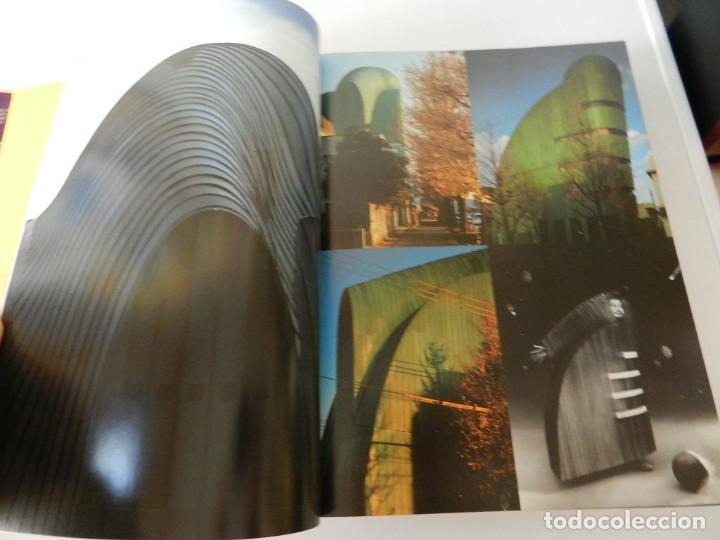 Libros de segunda mano: LIBRO VANITY CASE BY STARCK - PHILIPPE STARK -CENTRE ART SANTA MONICA PRIMAVERA DISSENY 1997 TASCHEN - Foto 12 - 161358230