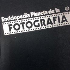 Libros de segunda mano: ENCICLOPEDIA PLANETA DE LA FOTOGRAFÍA - LUIS GUTIÉRREZ ESPADA - 1980. Lote 166266808