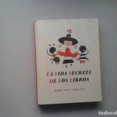 Libri di seconda mano: LA VIDA SECRETA DE LOS LIBROS. MEDIA VACA: 1998-2003. 1ª EDICIÓN 2003. ILUSTRACIÓN. BIBLIOFILIA.RARO. Lote 167589560