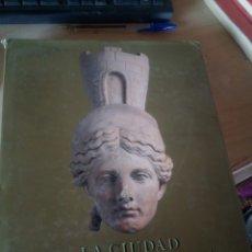 Libros de segunda mano: LA CIUDAD HISPANORROMANA AMBIT 1993 LIBRO GRAN TAMAÑO. Lote 172004288