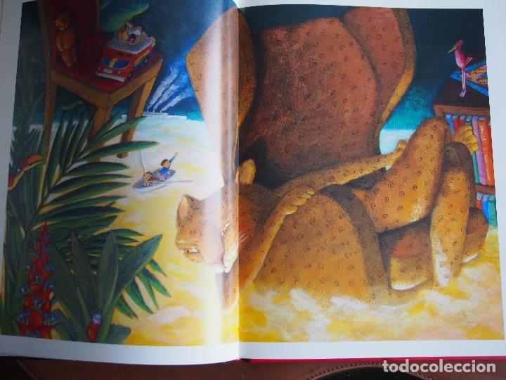 Libros de segunda mano: La lluna den Joan 33 anys dil·lustració Carme Solé Vendrell catalán español francés inglés - Foto 11 - 173521749