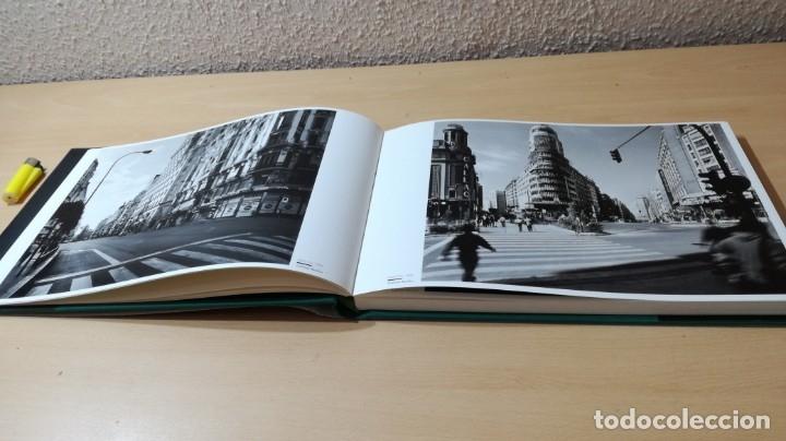 Libros de segunda mano: MADRID VISTO POR …2 - MIRADAS DEL SIGLO - VV AA - CON ESTUCHE - Foto 9 - 177979902