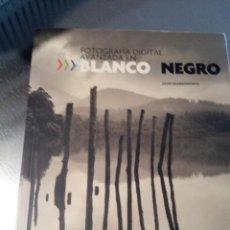 Libros de segunda mano: FOTOGRAFÍA DIGITAL AVANZADA EN BLANCO & NEGRO (BEARDSWORTH, JOHN). Lote 192078422
