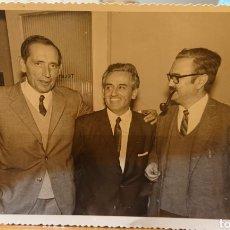 Libros de segunda mano: VALLADOLID, FOTO MIGUEL DELIBES, GARCÍA HORTELANO Y EMILIO SALCEDO. ORIGINAL.. Lote 195042957