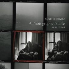 Libros de segunda mano: A PHOTOGRAPHER'S LIFE 1990-2005 (ANNIE LEIBOVITZ) - TAPA DURA, 35X26 CM.. Lote 195127797