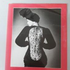 Libros de segunda mano: YVES SAINT LAURENT, RETROSPECTIVE, DESIGN-FASHION, ART GALLERY OF NEW SOUTH WALLES, SYDNEY, 1987. Lote 204693620