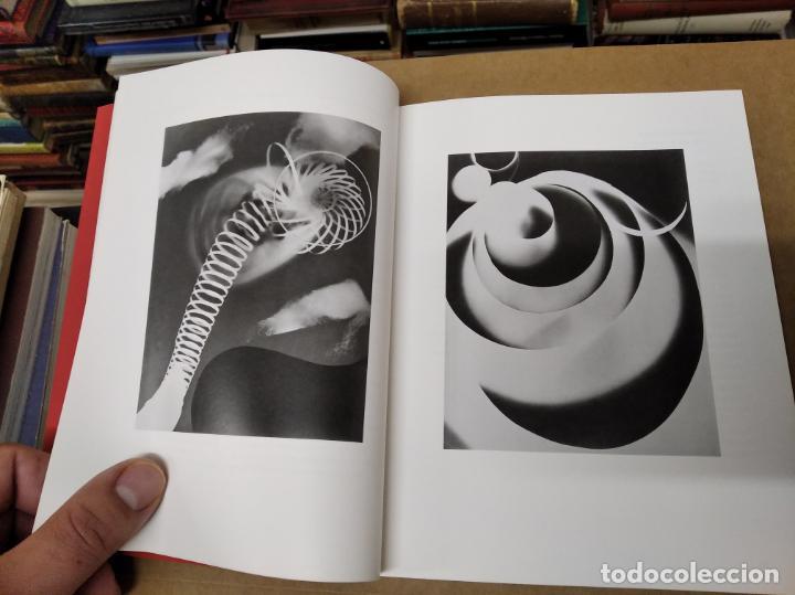 Libros de segunda mano: MAN RAY . FOTOGRAFÍAS DEL THE J. PAUL GETTY MUSEUM . 1ª EDICIÓN 1998. RETRATOS - Foto 9 - 211470937