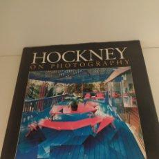 Libros de segunda mano: HOCKNEY ON PHOTOGRAPHY. CONVERSATIONS WITH PAUL JOYCE. Lote 217556547