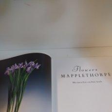 Libros de segunda mano: FLOWERS. MAPPLETHORPE. EDICIÓN ALEMÁN 1990. Lote 217955043