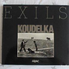 Libros de segunda mano: 'EXILS' - JOSEF KOUDELKA. ED. DELPIRE, 2ª EDICIÓN, 1997. Lote 218278085