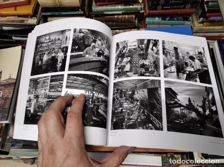 Libros de segunda mano: LA VIDA SECRETA DE SEVILLA .FOTOGRAFÍAS Y TEXTO ANTONIO DEL JUNCO . 1ª EDICIÓN 2017 . FOLCLORE - Foto 9 - 219239850