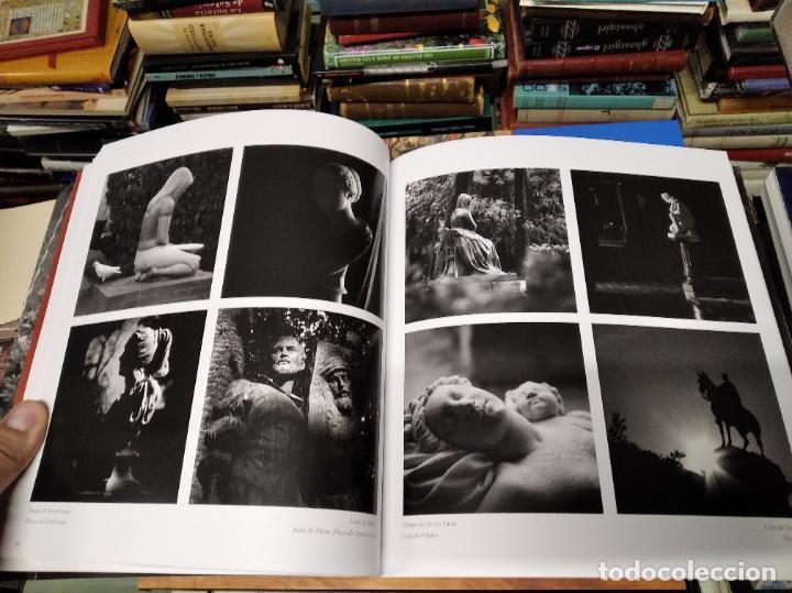 LA VIDA SECRETA DE SEVILLA .FOTOGRAFÍAS Y TEXTO ANTONIO DEL JUNCO . 1ª EDICIÓN 2017 . FOLCLORE (Libros de Segunda Mano - Bellas artes, ocio y coleccionismo - Diseño y Fotografía)