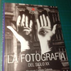 Libros de segunda mano: LA FOTOGRAFIA DEL SIGLO XX - TASCHEN ICONS. Lote 221605870