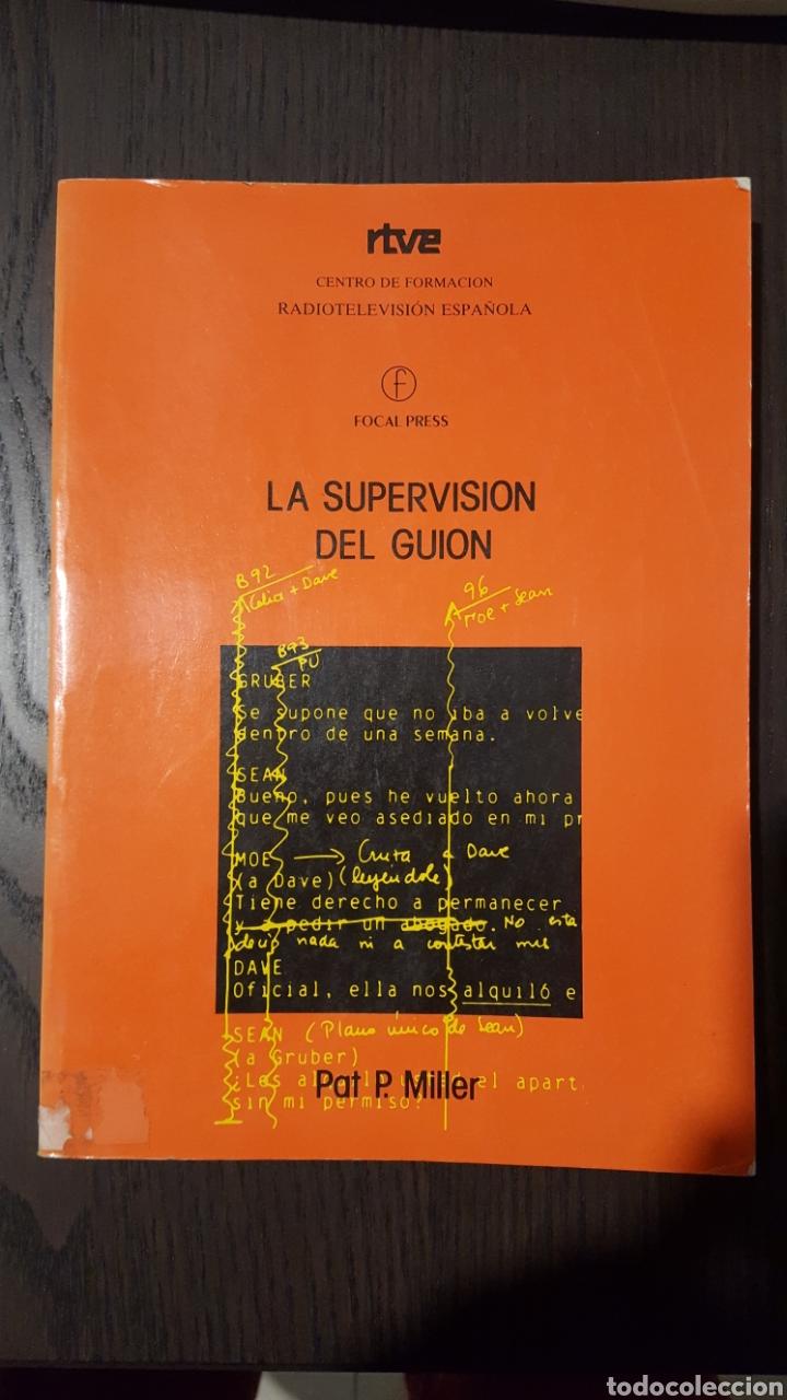 LIBRO - LA SUPERVISIÓN DEL GUIÓN / PAT P. MILLER -ED. AÑO 1991- CENTRO DE FORMACIÓN RADIOTELEVISION (Libros de Segunda Mano - Bellas artes, ocio y coleccionismo - Diseño y Fotografía)