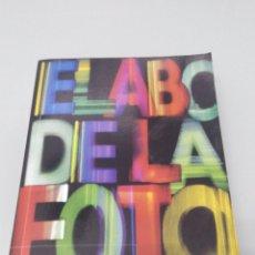 Libros de segunda mano: EL ABC DE LA FOTOGRAFÍA. PHAIDON. Lote 236438445