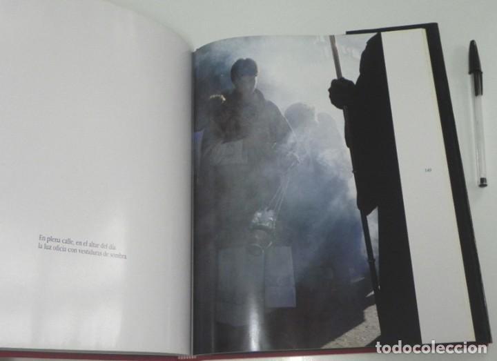 Libros de segunda mano: SEVILLA TEMPLO DE LUZ - LIBRO RAMÓN LEÓN FOTOGRAFÍAS - LA SEMANA SANTA FOTOS ARTE RELIGIÓN CRISTIANA - Foto 5 - 237532780