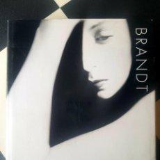 Libri di seconda mano: LIBRO THE PHOTOGRAPHY OF BILL BRANDT 1999 THAMES AND HUDSON NUEVO. Lote 237915930