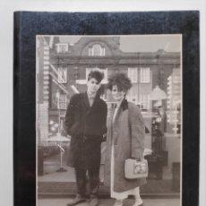 Libros de segunda mano: MIGUEL TRILLO FOTOGRAFÍA PAREJAS TRIBUS URBANAS 1991. Lote 254911110