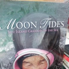 Livres d'occasion: MOON TIDES. JEJU ISLAND. GRANNIES OF THE SEA. Lote 264523259