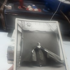 Libros de segunda mano: LIBRO FOTOGRAFÍA WOMAN IN THE MIRROR RICHARD AVEDON SCHIRMER/MOSEL. Lote 279525778