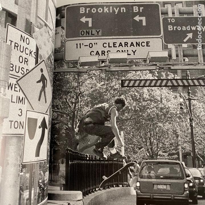 Libros de segunda mano: Libro Full Bleed New York City skateboard photography Tapa dura - Foto 4 - 288189463