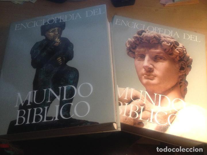 Enciclopedias de segunda mano: ENCICLOPEDIA DEL MUNDO BÍBLICO- TOMOS I y II- Plaza Janés- 1970 - Foto 2 - 74463167
