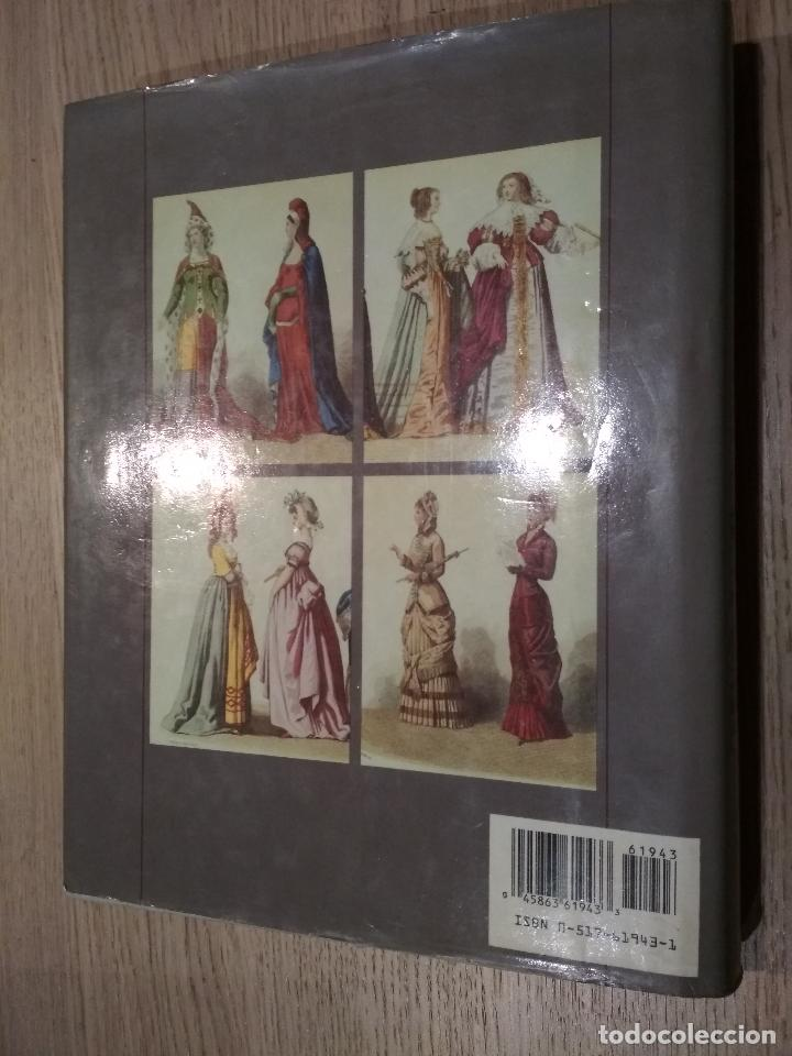 Enciclopedias de segunda mano: THE ENCYCLOPEDIA OF WORLD COSTUME. YARWOOD, DOREEN - Foto 3 - 125494691