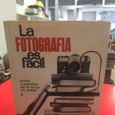 Enciclopedias de segunda mano: ENCICLOPEDIA LA FOTOGRAFIA ES FACIL DE 1968. Lote 127769343