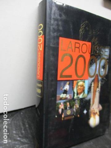Enciclopedias de segunda mano: LAROUSSE 2000 / TOMO ACTUALIZACIÓN 1999 / LAROUSSE - PLANETA 1999 - Foto 2 - 159798962