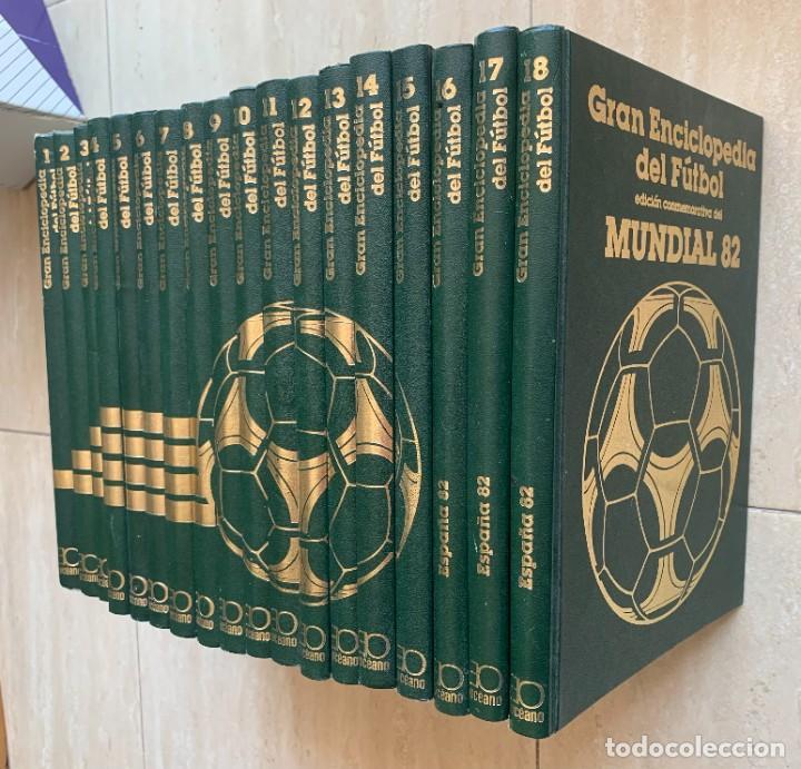 Enciclopedias de segunda mano: GRAN ENCICLOPEDIA DEL FUTBOL. VERSION ESPECIAL DE LA ENCICLOPEDIA MUNDIAL DEL FUTBOL. 18 TOMOS. 1982 - Foto 2 - 267075709