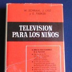 Libros de segunda mano: LIBRO DE TELEVISIÓN PARA LOS NIÑOS. ENSAYO SOBRE LA TV DE LOS AÑOS 60.. Lote 108403615