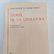 Libros de segunda mano: TEORÍA DE LA LITERATURA. VÍTOR MANUEL DE AGUIAR E SILVA. EDITORIAL GREDOS. 1996. VER FOTOS ADJUNTAS.. Lote 196090202