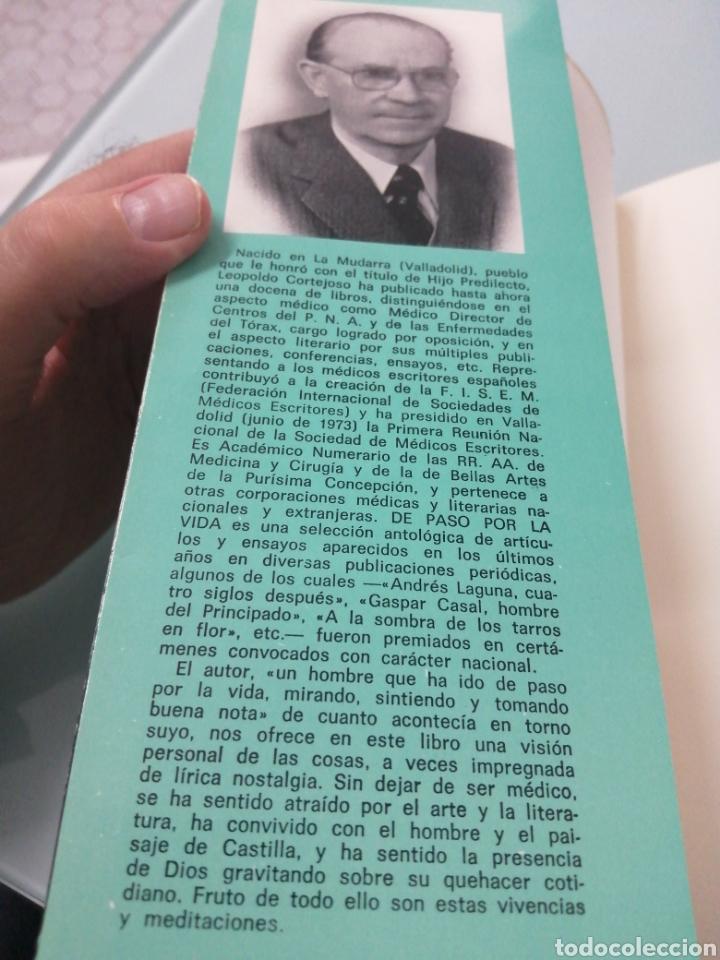 Libros de segunda mano: DE PASO POR LA VIDA. LEOPOLDO CORTEJOSO. VALLADOLID, 1976. - Foto 2 - 203778621