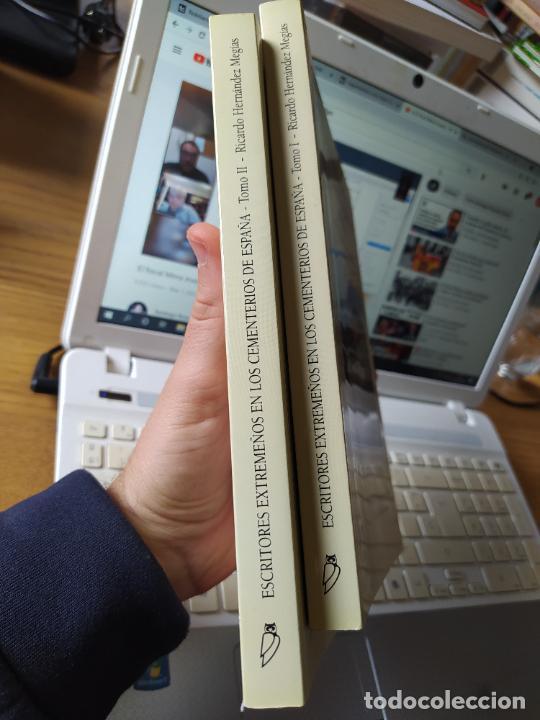 Libros de segunda mano: Escritores extremeños en los cementerios de España, Ricardo Hernandez, Ed. Beturia, 2004 - Foto 2 - 252425375