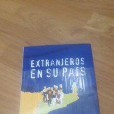 Libros de segunda mano: EXTRANJEROS EN SU PAÍS, ANTONIO ROBLES / AZAHARA LARRA SERVER. Lote 254634725