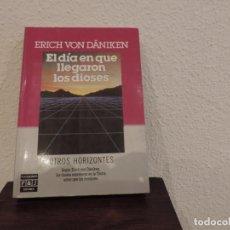 Libros de segunda mano: EL DÍA QUE LLEGARON LOS DIOSES (ERICH VON DÄNIKEN) EDITORIAL PLAZA Y JANÉS. Lote 171491855