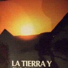 Libros de segunda mano: LA TIERRA Y SUS SECRETOS , EL MUNDO DE LO INSOLITO - DEBATE CIRCULO DE LECTORES 1987 COLOR 100 PAG. Lote 179199096