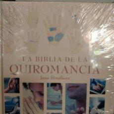Libros de segunda mano: LA BIBLIA DE LA QUIROMANCIA. Lote 163077490