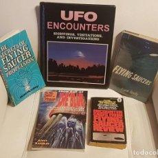Libros de segunda mano: LOTE DE 5 MÍTICOS LIBROS EN INGLES SOBRE UFOLOGÍA - MUY RAROS - OVNIS - EXTRATERRESTRES - UFOS. Lote 209060506
