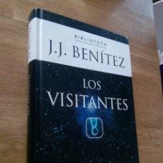 Libros de segunda mano: LOS VISITANTES - J.J. BENÍTEZ. Lote 217801857