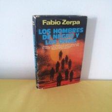 Libros de segunda mano: FABIO ZERPA - LOS HOMBRES DE NEGRO Y LOS OVNIS - PLAZA & JANES 1979 - EDICION ILUSTRADA. Lote 222619258