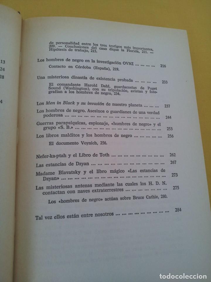 Libros de segunda mano: FABIO ZERPA - LOS HOMBRES DE NEGRO Y LOS OVNIS - PLAZA & JANES 1979 - EDICION ILUSTRADA - Foto 6 - 222619258
