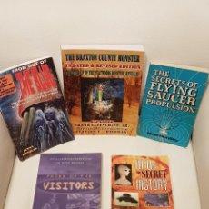 Libros de segunda mano: LOTE DE 5 MÍTICOS LIBROS EN INGLES SOBRE UFOLOGÍA - MUY RAROS - OVNIS - EXTRATERRESTRES - UFOS. Lote 262566360