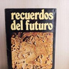 Libros de segunda mano: RECUERDOS DEL FUTURO. ERICH VON DÄNIKEN. PLAZA Y JANÉS PARA DISCOLIBRO, 1974.. Lote 277716073