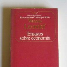 Libros de segunda mano: ENSAYOS SOBRE ECONOMIA - WASSILY LEONTIEF. Lote 43778013