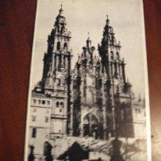 Libros de segunda mano: GUÍA DE LA CATEDRAL DE SANTIAGO DE COMPOSTELA . Lote 26744580