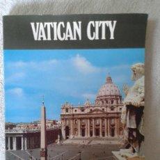 Libros de segunda mano: VATICAN CITY - CIUDAD DEL VATICANO - EN INGLÉS - MUSEOS DEL VATICANO ETC.- FOTOGRAFÍAS A COLOR 1986. Lote 37853269