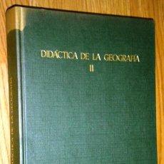 Libros de segunda mano: DIDÁCTICA DE LA GEOGRAFÍA TOMO 2 POR LUIS CORONAS TEJADA DE EDICIONES ANAYA EN MADRID 1971. Lote 38381584