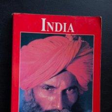Libros de segunda mano: INDIA - LOS LIBROS DEL VIAJERO - EL PAIS AGUILAR. Lote 53952573
